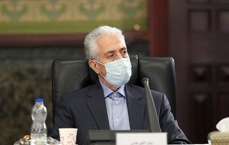 منصور غلامی با ماسک